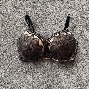 Black And Nude VS Lace Push Up Bra 32DDD
